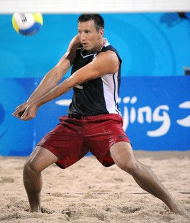 beach volleyball players 2